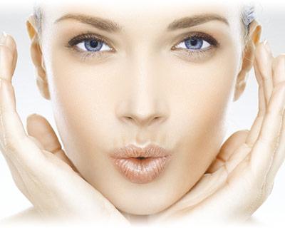 extraccion-relleno-biopolimero-silicona-de-los-labios-clinica-dual-valencia