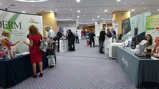 SEMAL 2018: sala de expositores | Clínica Dual Valencia
